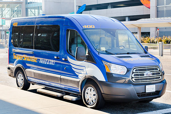 How to Ease Travel Stress by Taking a Shuttle